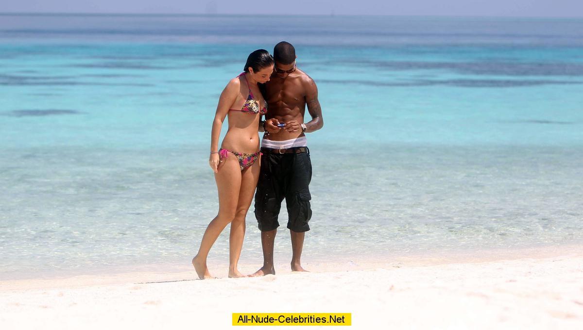 Tulisa Contostavlos sexy in bikini on the beach in Maldives